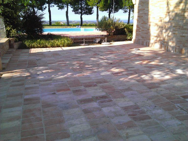 pavimento_esterno_cotto